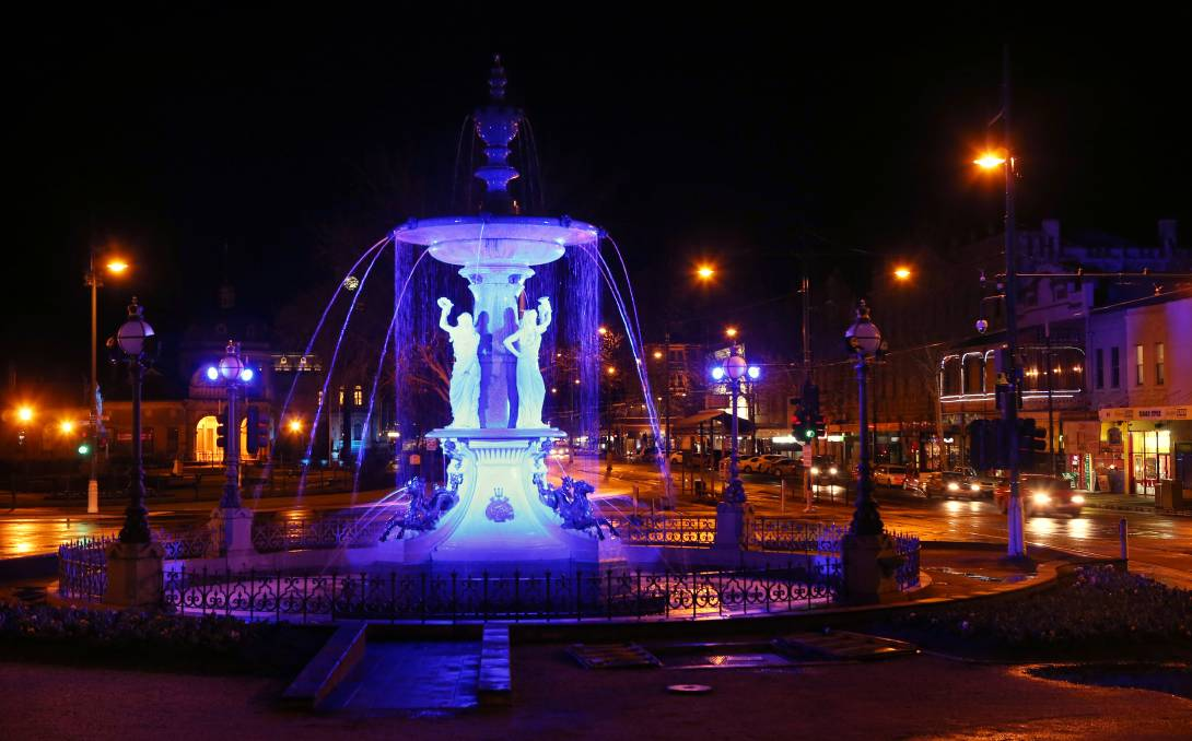 PROVEN EXPERIENCE: Bendigo's iconic Alexandra Fountain turns blue in September 2014 to raise awareness of prostate cancer – Bendigo mayor Rod Fyffe says the city has the track record, people and the buildings to give White Night a 'red hot go'.
