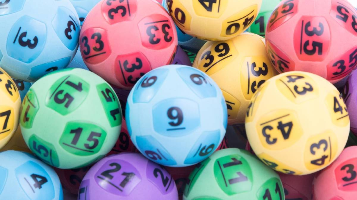 Golden Square man wins $928,000 with TattsLotto