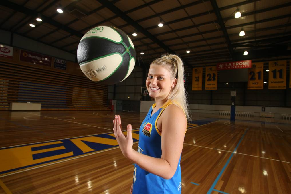 FAMOUS FOOTSTEPS: Shyla Heal is following the same championship basketball path as her father Shane Heal. Picture: GLENN DANIELS