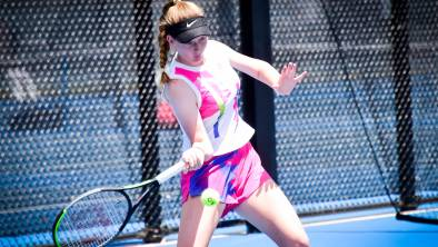 COLOURFUL: Roisin Gilheany in her three-set loss to Olivia Symons. Picture: BRENDAN McCARTHY