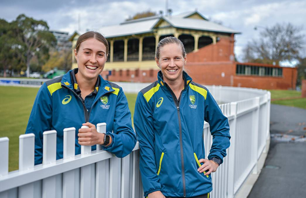 Bendigo's Tayla Vlaeminck with Australian skipper Meg Lanning after the announcement of the Ashes squad.